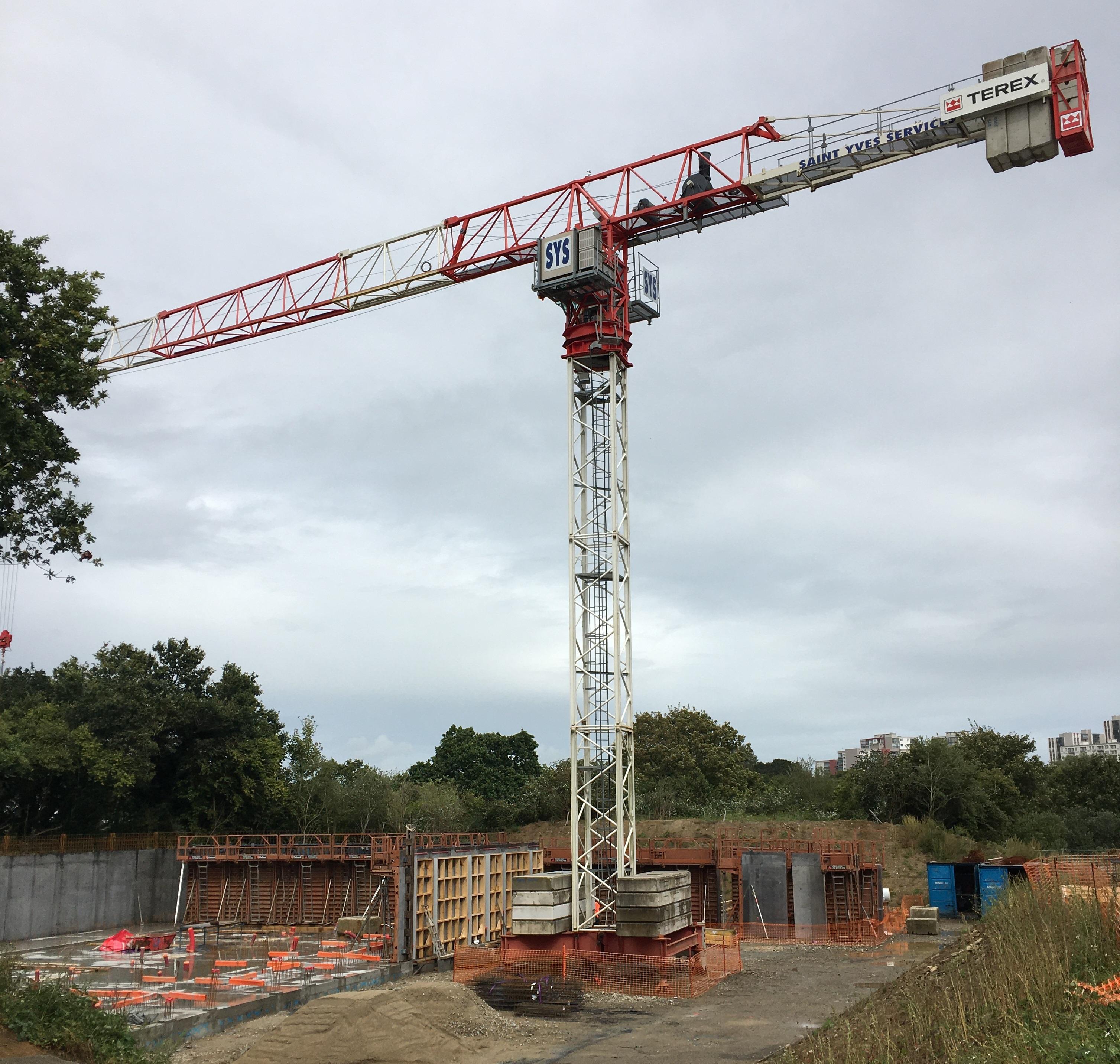 Construction d'une centrale de groupes électrogènes au CHRU de Brest (29)